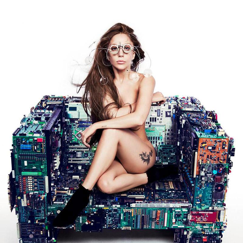 Lady Gaga Goes Naked For 'V' Magazine
