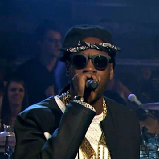 2 Chainz & The Roots - Feds Watching (Live on Fallon)