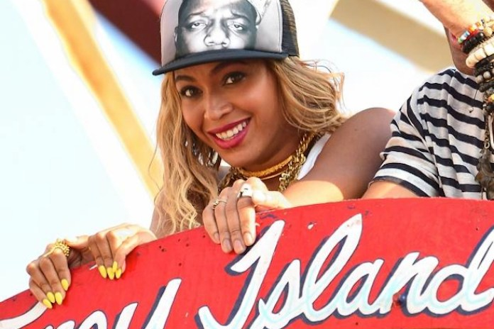 Beyonce Shoots Music Video at Coney Island