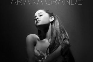 Ariana Grande featuring Big Sean – Right There
