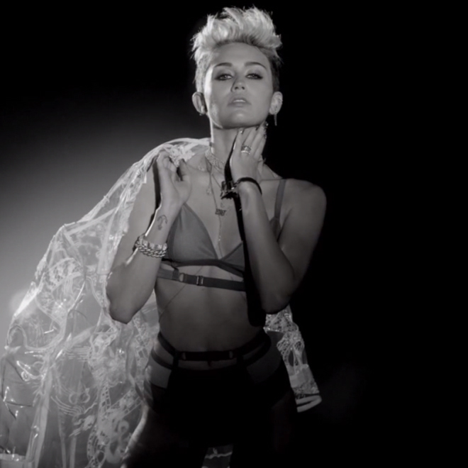 Big Sean - Fire (Starring Miley Cyrus)