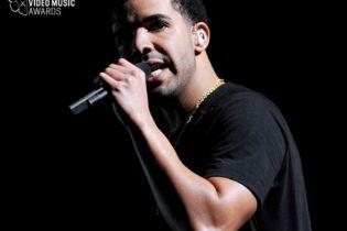 Drake Teases His 2013 MTV VMAs Performance