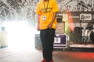 "Earl Sweatshirt Freestyles Over ""Drop It Like It's Hot"" & Talks About His Writing Process"