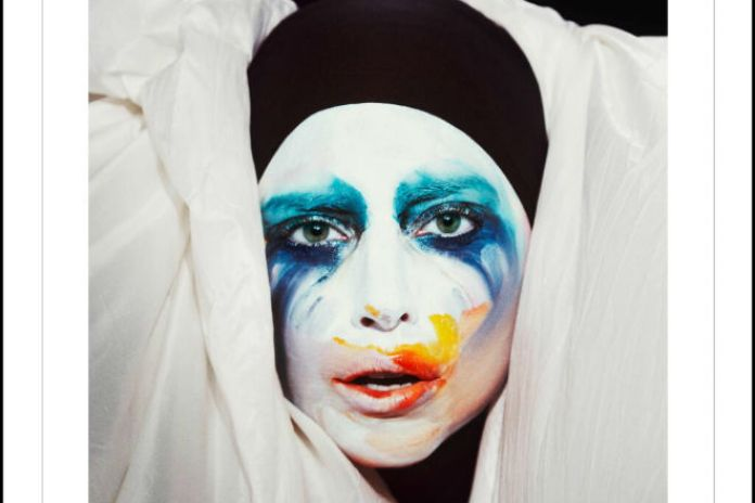 "Lady Gaga - Applause (DJ White Shadow ""Trap"" & ""Electrotech"" Remixes)"