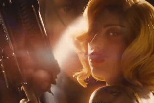 Lady Gaga Strapped with Machine Gun in 'Machete Kills' Trailer