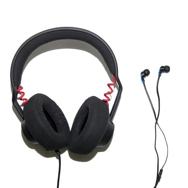 Poll: Headphones vs. Earphones