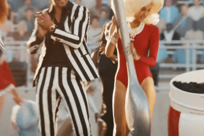 Robin Thicke featuring 2 Chainz & Kendrick Lamar – Give It 2 U