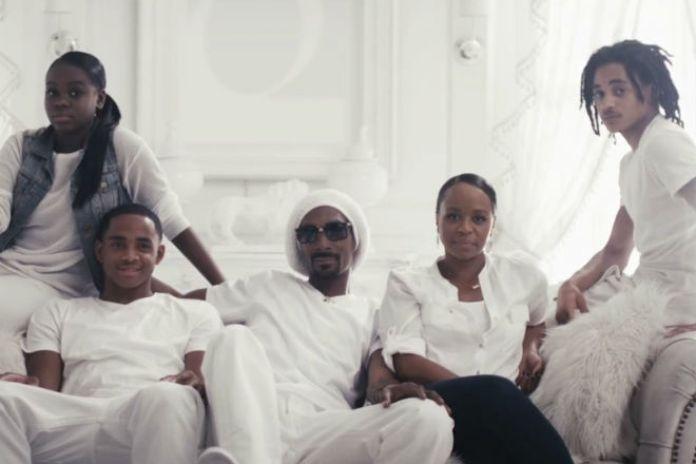 Snoop Lion – The Good Good