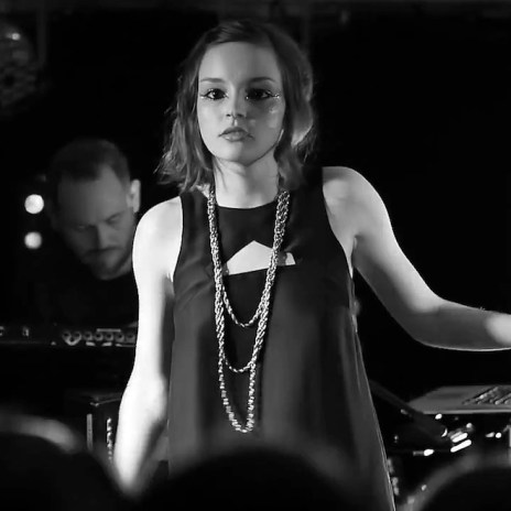 CHVRCHES - It's Not Right But It's Okay (Whitney Houston Cover)