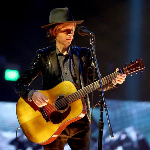 """Beck Premieres """"Wake Up"""" Live in California"""