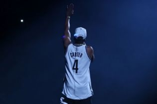 Jay Z to Sell Stake in Barclays Center