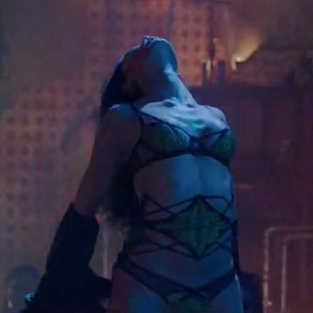 Bruno Mars - Gorilla (Starring Freida Pinto)