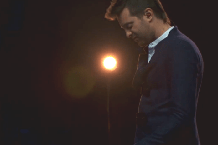 Mayer Hawthorne - Royals (Lorde Cover Live)