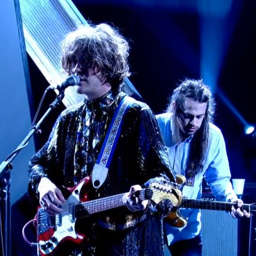 "MGMT Performs ""Your Life Is A Lie"" on Jools Holland"