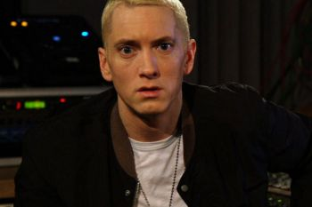 "Eminem Sits Down with BBC Radio 1's Zane Lowe – Part 3 & 4 + In-Studio Performance of ""Stan"""