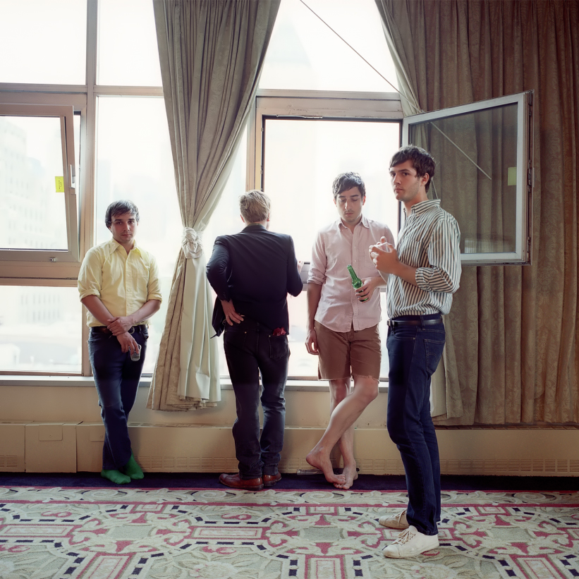 Grizzly Bear - Listen and Wait