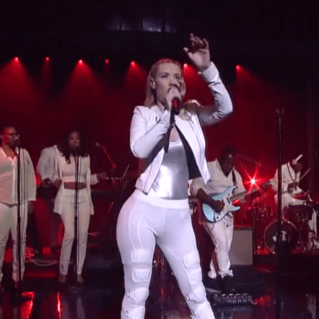 Iggy Azalea featuing T.I. - Change Your Life (Live on Letterman)