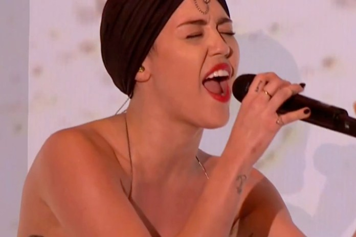 "Miley Cyrus Performs ""Wrecking Ball"" on The X Factor UK"