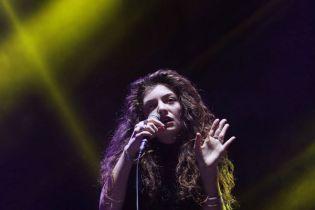 "Raekwon Remixes Lorde's ""Royals"""