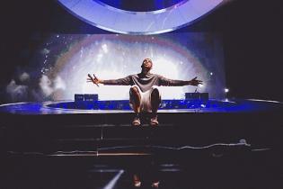 Drake Announces Partnership with Jordan Brand