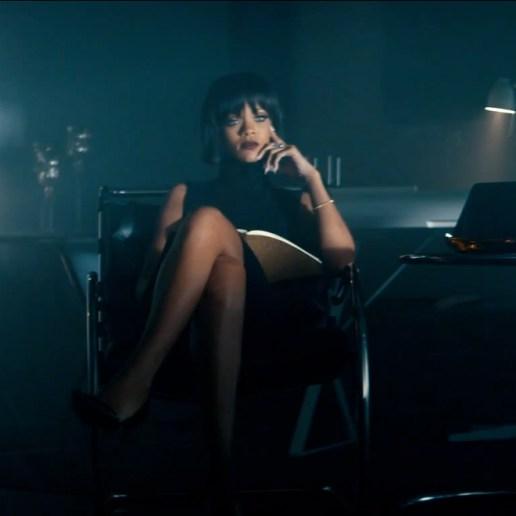 Eminem featuring Rihanna - Monster