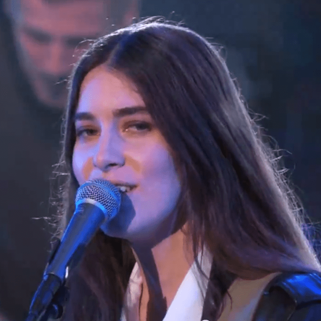 """Haim Perform """"The Wire"""" & """"Forever"""" on Jimmy Kimmel Live"""