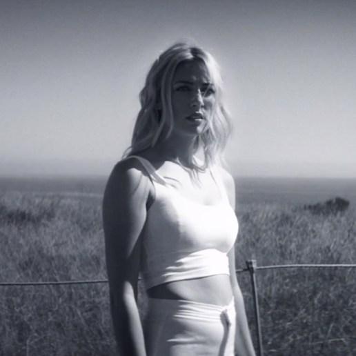 Chelsea Lankes - Ghost