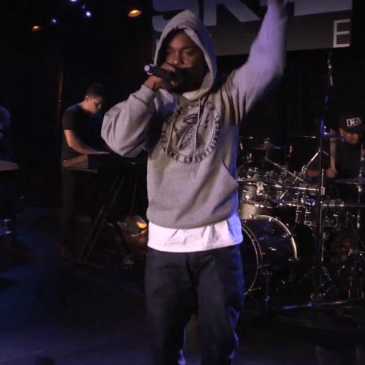 Kendrick Lamar - m.A.A.d city (Live on SKEE Live)