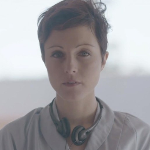 Poliça – I Need $ / So Leave