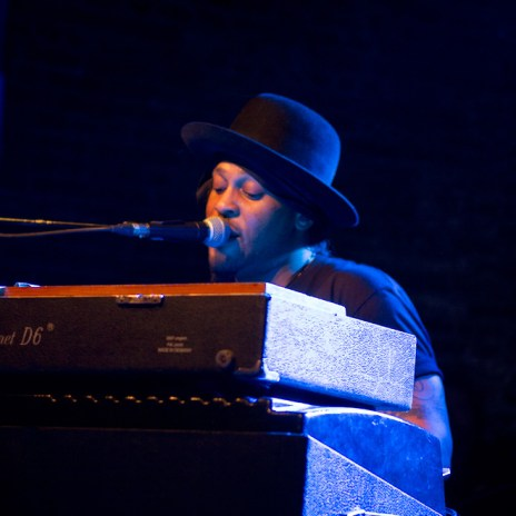 Watch D'Angelo's Studio Footage