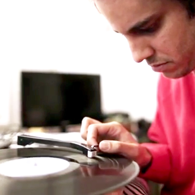 """Watch Four Tet Recreate Michael Jackson's """"Thriller"""" Live in 10 Minutes"""