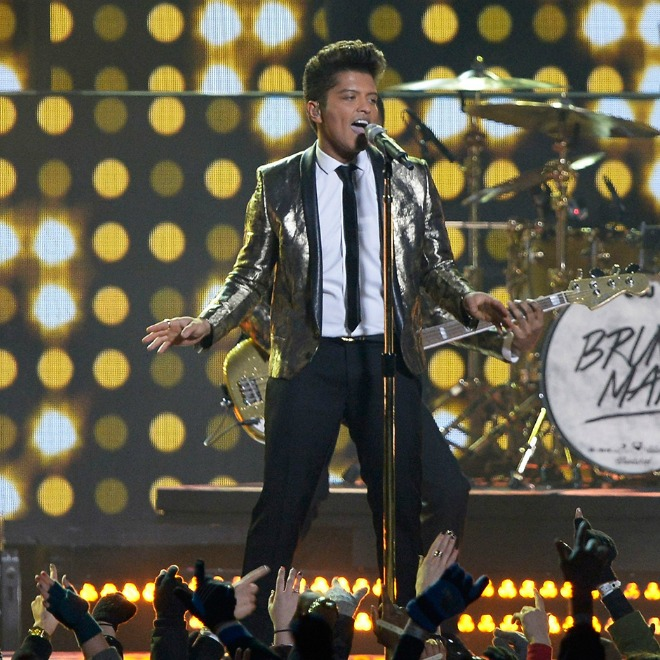 Watch Bruno Mars and Red Hot Chilli Peppers Perform Live at the Super Bowl