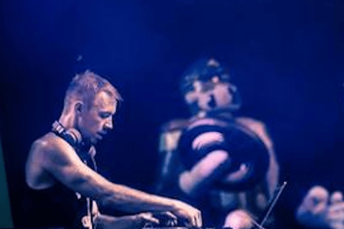 Diplo featuring Travis Porter & Angger Dimas - Biggie Bounce