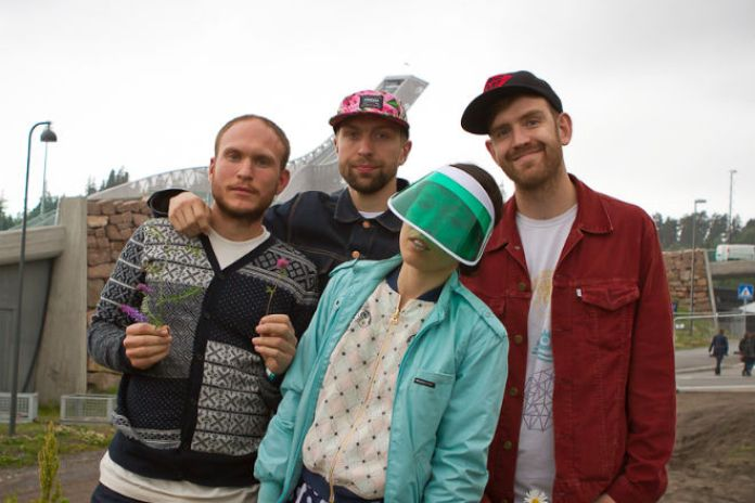 "Watch Little Dragon Perform New Song ""Klapp Klapp"" In Their Gold-Painted Studio"