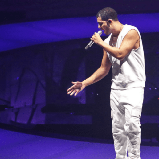 "Drake Performs New Track ""Call on Me"" on UK Tour"