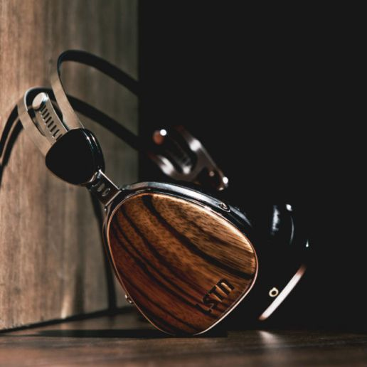 HYPETRAK Review: LSTN Troubadour Headphones