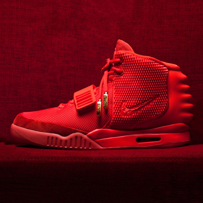 "Juicy J Gives Away His ""Red Octobers"" at Irving Plaza Show"