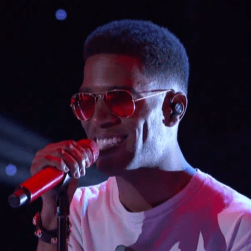 "KiD CuDi Performs ""Internal Bleeding"" on 'The Arsenio Hall Show'"