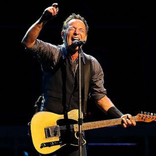 """Watch Bruce Springsteen Covering Lorde's """"Royals"""""""