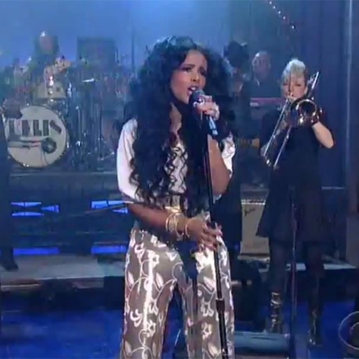 "Watch Kelis Perform ""Jerk Ribs"" on 'Letterman'"