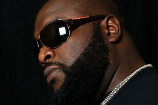 Rick Ross - How Many Drinks (Remix)