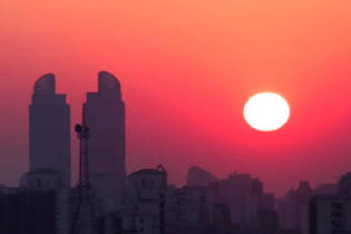 "Take a Trip Through Shanghai in College's Video ""Les Automates"""
