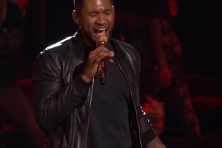 "Watch Usher Perform ""Good Kisser"" on The Voice"