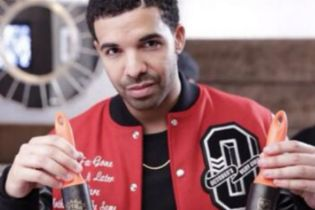 Toronto Raptors Hand Out Drake-Branded Lint Rollers During Playoff Game