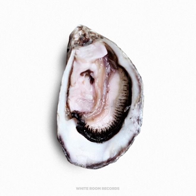 Premiere: Pearl - I Know