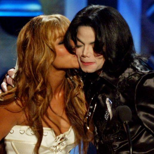 Beyoncé Writes Tribute to Michael Jackson