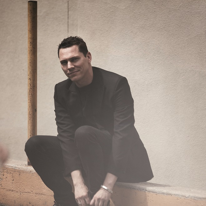 "Stream Tiesto's ""A Town Called Paradise"""
