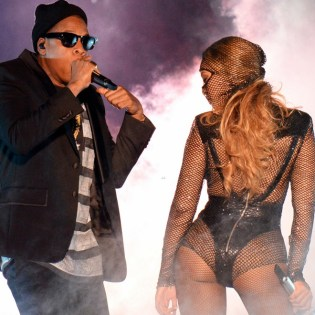 """Watch JAY Z and Beyoncé Kick Off Their """"On The Run"""" Tour in Miami"""