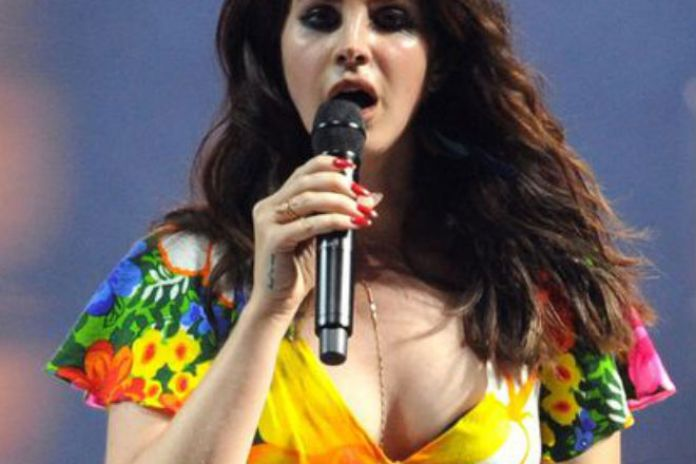 Watch Lana Del Rey's Full Glastonbury Set