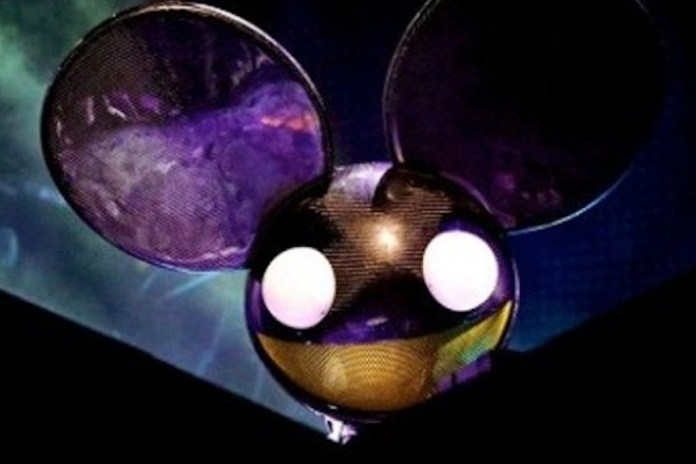 "Deadmau5 Trolls EDM With New Song ""Carbon Copy Cookie Cutter"""